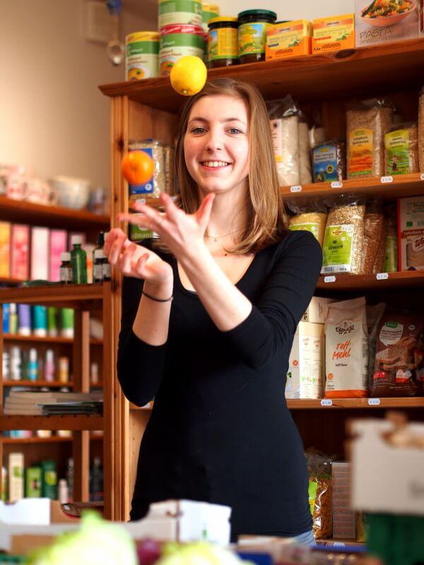 Marie Mitarbeiterin Obst Stammersdorf Floridsdorf Naturkostladen Bio biologish gesund